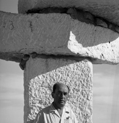 Moses Sternschuss at the Sculpture Symposium, Mitzpe Ramon