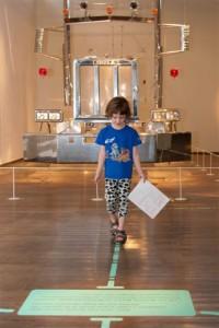 """העיצוב משפיע על תנועת המבקרים בתערוכה. """"החיים הוראות שימוש""""."""