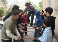 """פעילות חברתית מאתגרת בקבוצות מעורבות במסגרת התכנית """"ללמוד על העבר - גשר להווה"""". צילום: צוות מוזיאון עין דור"""