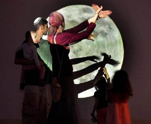 """בתערוכה """"לילה טוב"""" באגף הנוער, מוזיאון ישראל, ירושלים. צילום: בני מאור"""