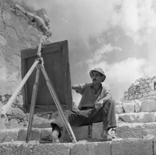 יוסף שאלתיאל מצייר בעין הוד, 1956. צלם לא ידוע