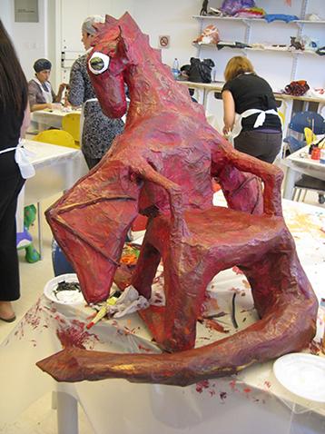 עבודות מסדנת אמנות באגף הנוער, מוזיאון ישראל, בהנחיית תלמה שולץ
